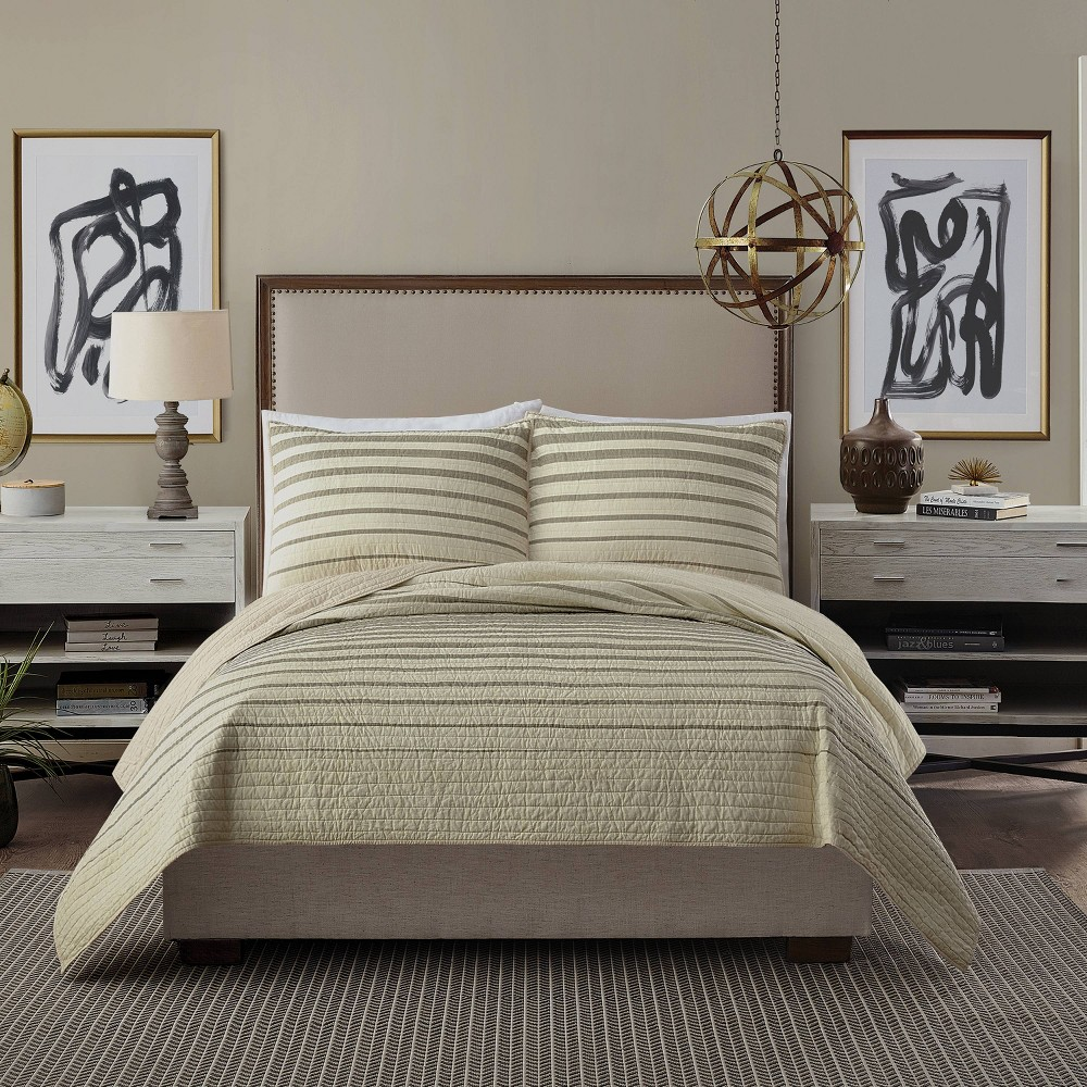 Image of King Quilt Beige - Ayesha Curry