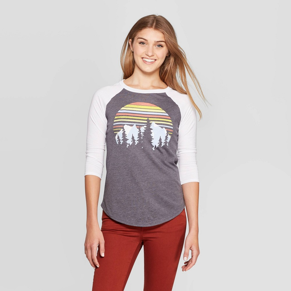 Image of Women's 3/4 Sleeve Crewneck Mountain Graphic T-Shirt - Modern Lux Gray L, Women's, Size: Large