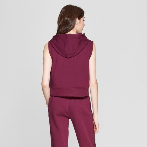 d69f856a11a Umbro Women's Sleeveless Sweatshirt - Purple Beet XS