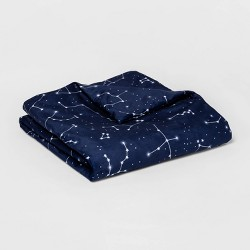 "40""x60"" 6lbs Waterproof Removable Cover Weighted Blanket Blue Constellation - Pillowfort™"