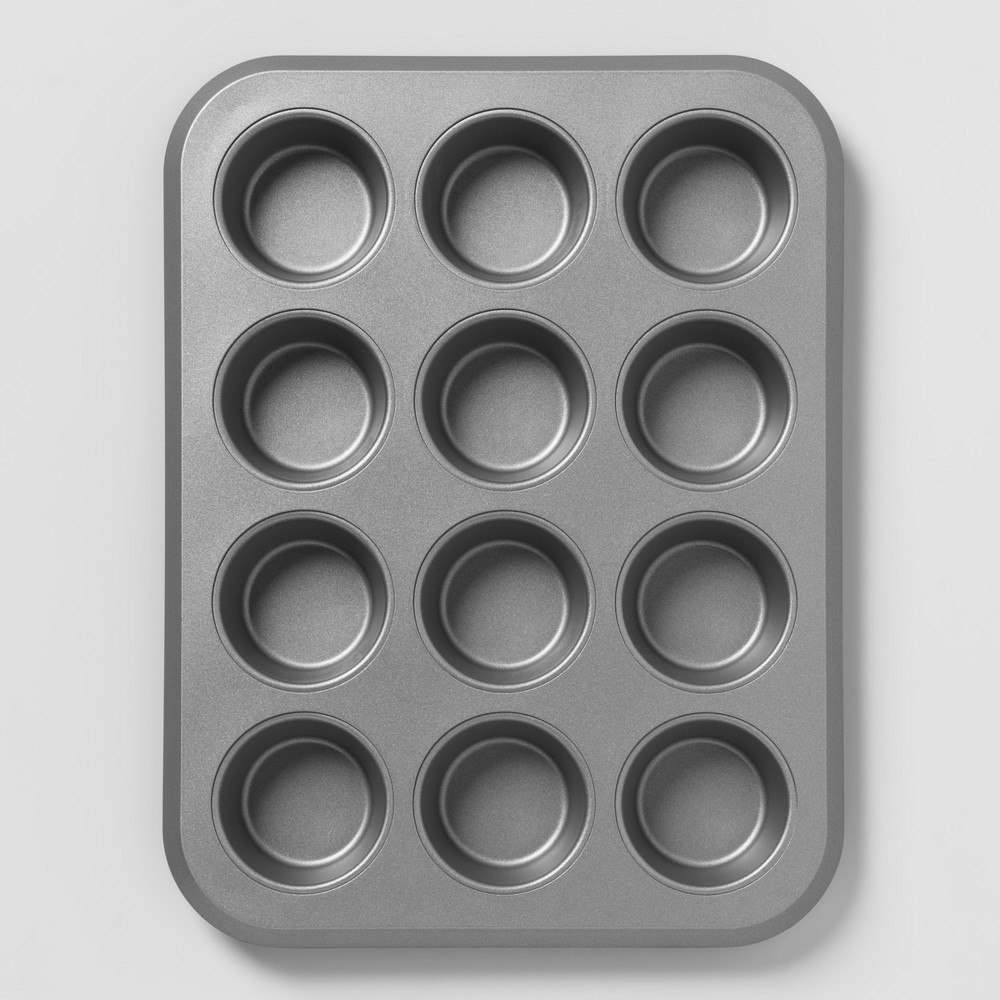 Aluminized Steel Non-Stick Muffin Tin Silver - Made By Design