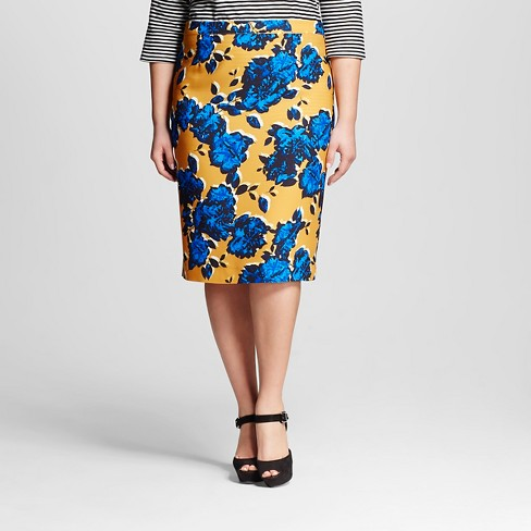 Women's Plus Size Pencil Skirt Dense Floral 20w - Who What Wear™ - image 1 of 3