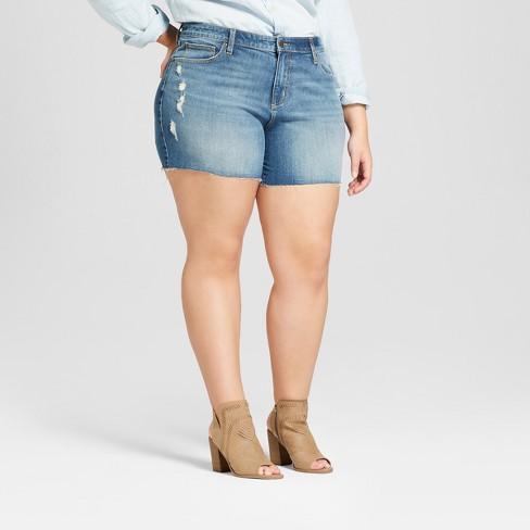 Women's Plus Size Raw Hem Boyfriend Jean Shorts - Universal Thread™ Medium Wash - image 1 of 3