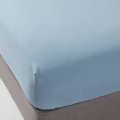 Queen 300 Thread Count Ultra Soft Fitted Sheet Light Indigo - Threshold™