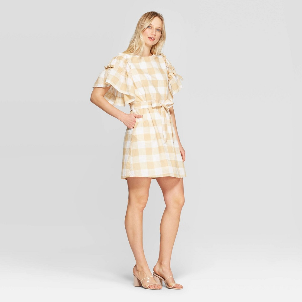 Women's Gingham Short Ruffle Sleeve Boat Neck Tie Waist Shift Dress - Who What Wear Taupe/White (Brown/White) L