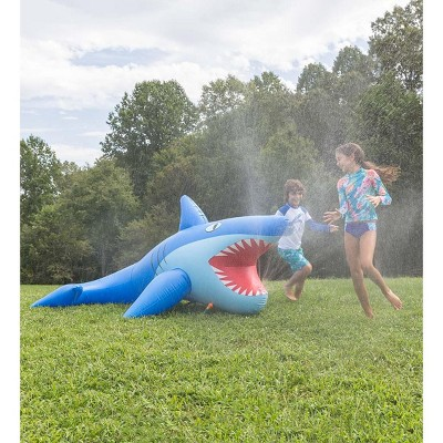 HearthSong - Kids 8'L Giant Inflatable Shark Sprinkler for Kids' Outdoor Active Water Play, 8'L x 4½'W x 3½'H
