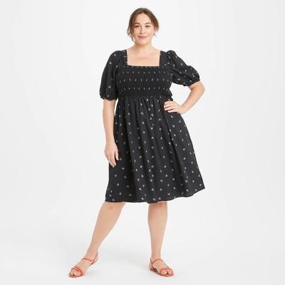 Women's Plus Size High-Rise Puff Short Sleeve Smocked Dress - Ava & Viv™