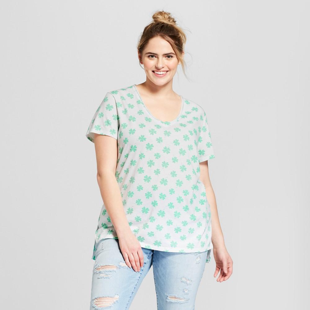 Women's Plus Size St. Patrick's Day Short Sleeve V-Neck Graphic T-Shirt - Grayson Threads (Juniors') - White 1X, Beige