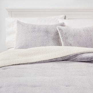 King Aspen Faux Fur Comforter & Sham Set Gray
