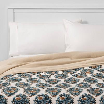 Full/Queen Paisley Print Velvet Quilt Navy - Threshold™