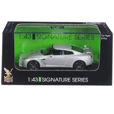 Nissan GT-R R35 Silver 1/43 Diecast Model Car by Road Signature