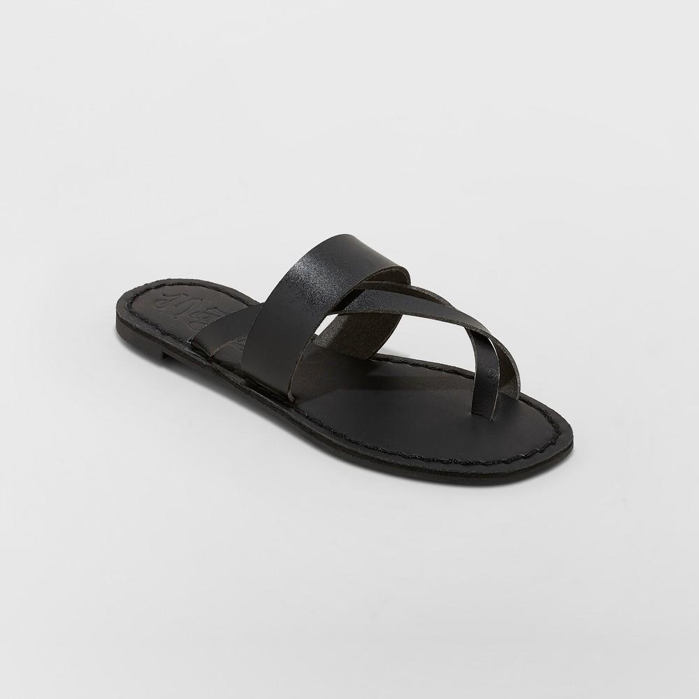 Women's Mad Love Kaden Monochromatic Flip Flop Sandals - Black 9