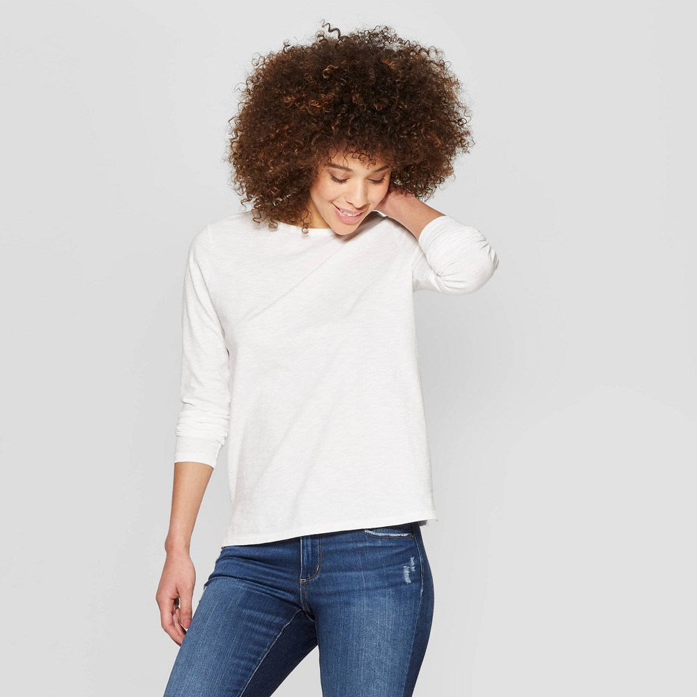 Women's Long Sleeve Crewneck T-Shirt with Side Slit - Universal Thread White L