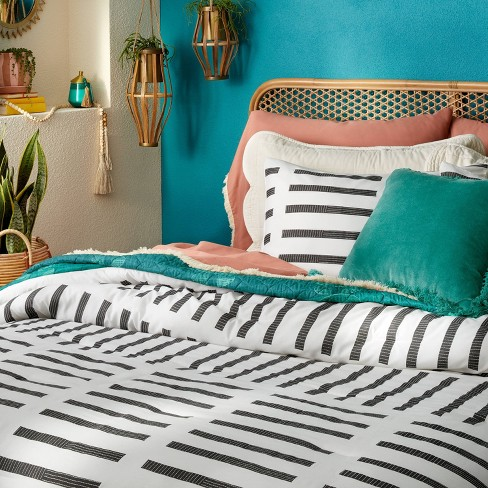 Printed Comforter & Sham Set Dash Print Off White/Black – Opalhouse™ designed with Jungalow™ - image 1 of 4