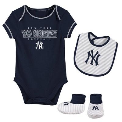 MLB New York Yankees Baby Boys' Short Sleeve Layette Set