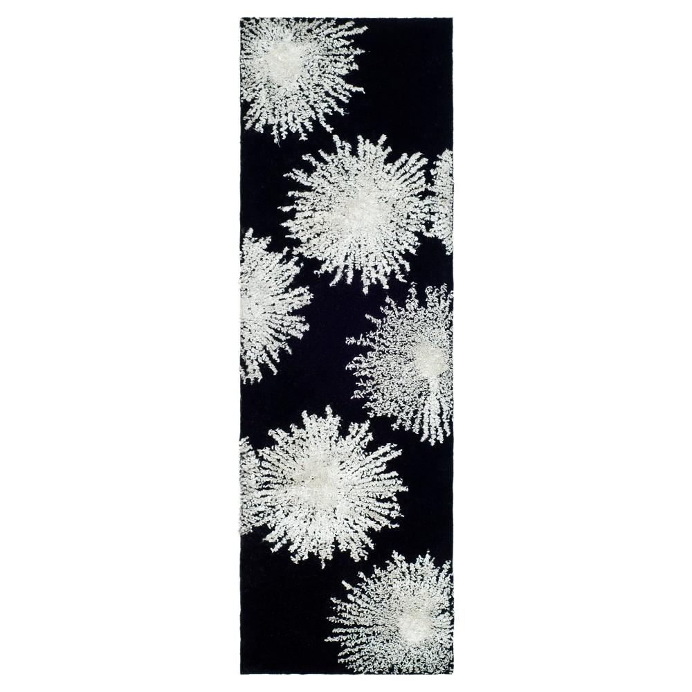 Amsterdam Runner - Black / White (2'6 X 14' ) - Safavieh, Black/White
