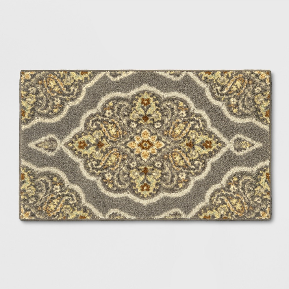Medallion Tufted Accent Rug Gray