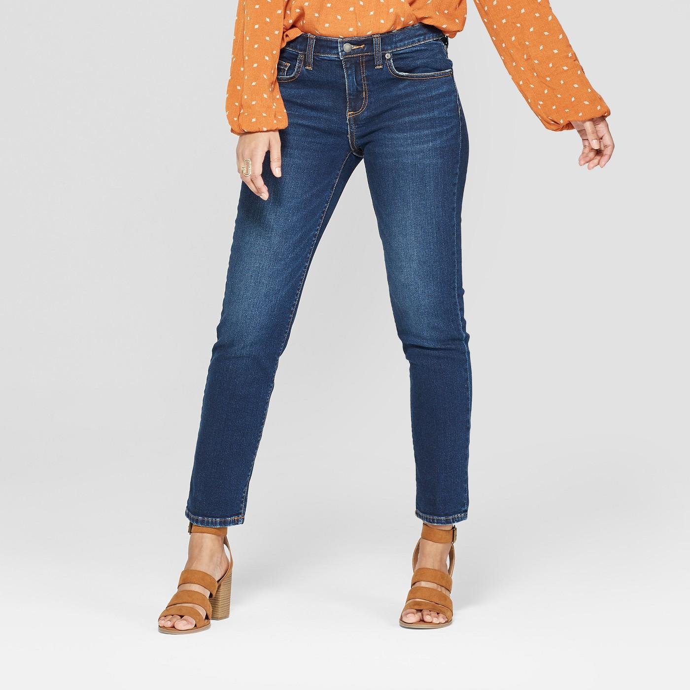 Women's Mid-Rise Boyfriend Crop Jeans - Universal Thread™ Dark Wash - image 1 of 3