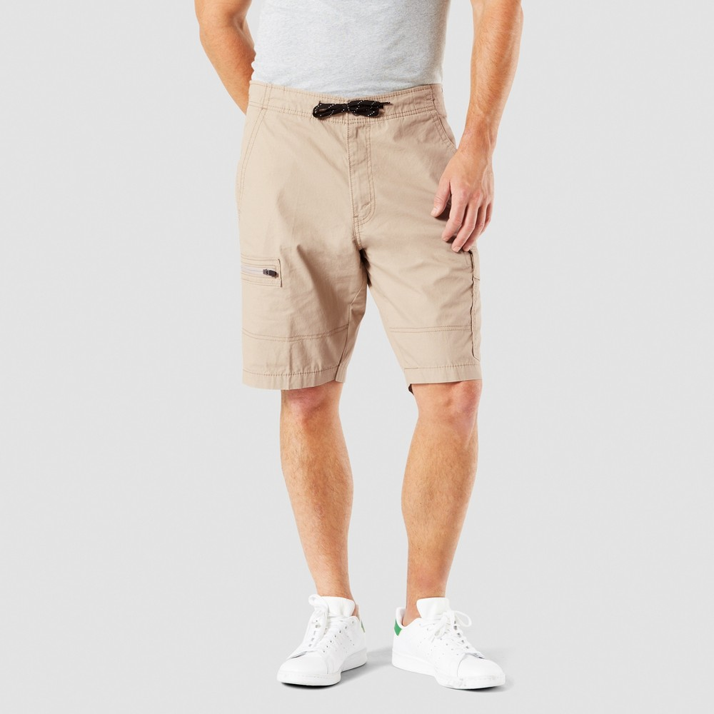 "Image of ""DENIZEN from Levi's 10.5"""" Relaxed Fit Cargo Shorts - True Khaki 30, Men's, True Green"""