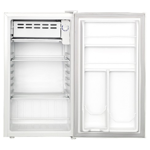 Igloo 3.2 Cu. Ft. Compact Refrigerator - White - image 1 of 2