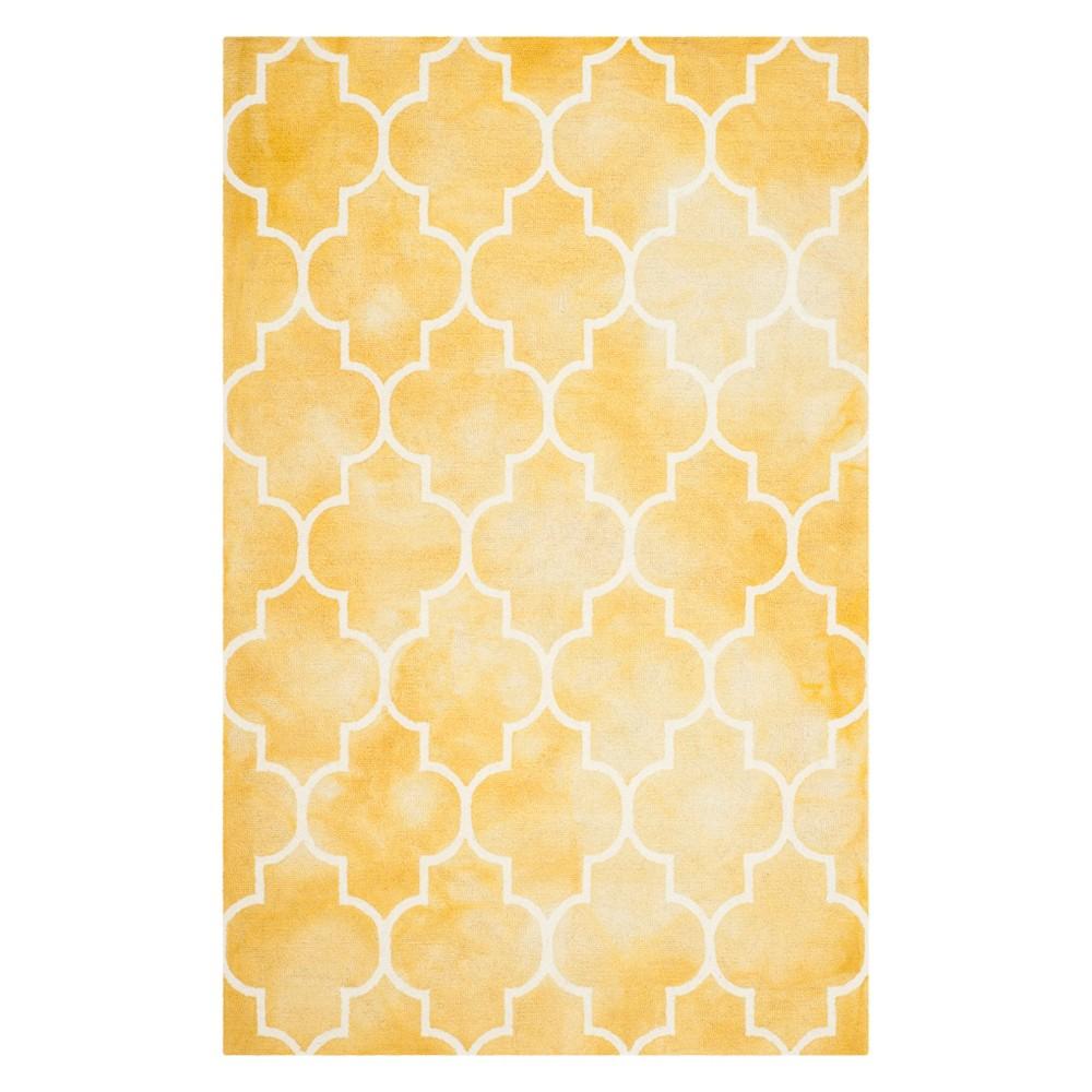 5'X8' Quatrefoil Design Area Rug Gold/Ivory - Safavieh