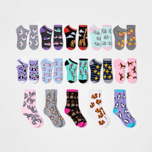 "Women's ""Everybody Wants to be a Unicorn"" 15 Days of Socks Advent Calendar - Assorted Colors 4-10 - image 1 of 3"
