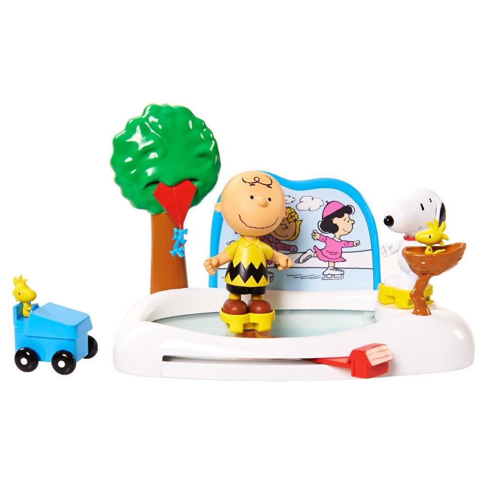 Peanuts Skating Rink, Doll Playsets
