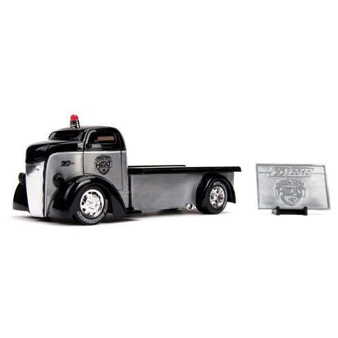 Jada Toys 20th Anniversary 1947 Ford COE Flatbed Die-Cast Vehicle 1:24 Scale - Brushed Metal - image 1 of 4