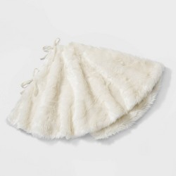 "48"" Faux Fur Christmas Tree Skirt Ivory - Wondershop™"