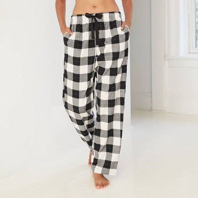 Women's Plaid Perfectly Cozy Flannel Pajama Pants - Stars Above™ White/Black L