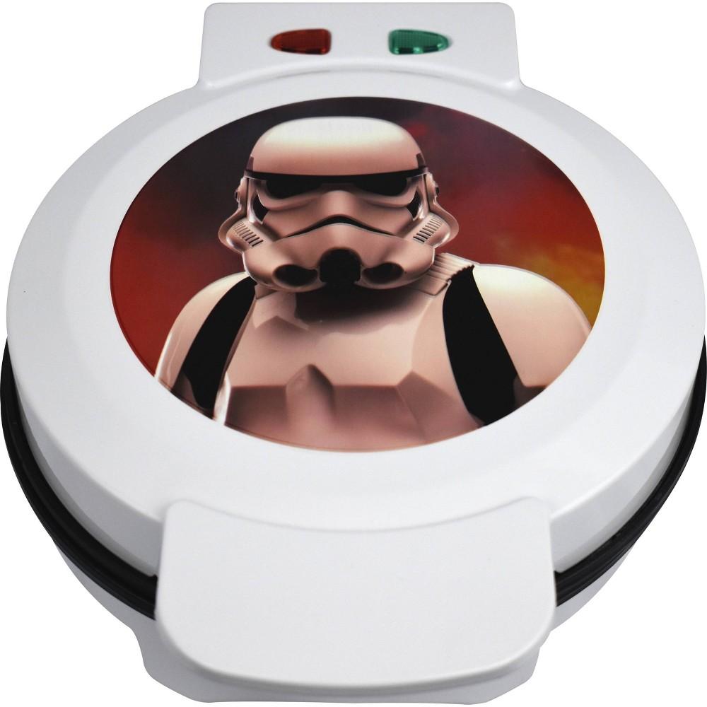 Image of Uncanny Brands - Star Wars Stormtrooper Waffle Maker