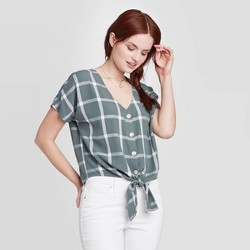 Women's Short Sleeve V-Neck Button-Down Relaxed Fit Shirt - Universal Thread™