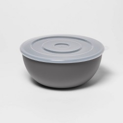 77.8oz Plastic Serving Bowl with Lid - Room Essentials™