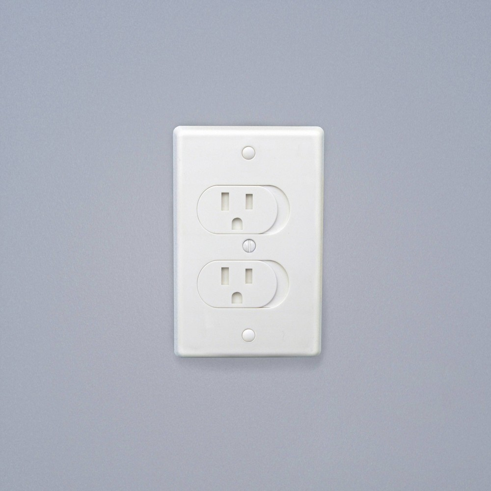 Image of Qdos Universal Self-Closing Outlet Covers - White 3pk
