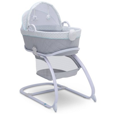 Delta Children Deluxe Moses Bassinet - Merida