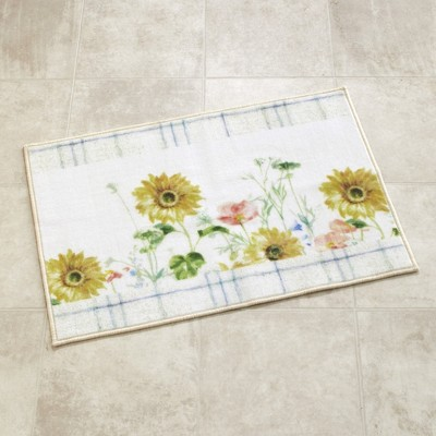 Lakeside Farm Fresh Flowers Rug with Flower Pattern - Floral Bathroom Accent