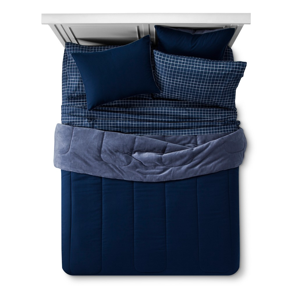 Plush Reversible Bed Set (Queen) Nighttime Blue - Room Essentials