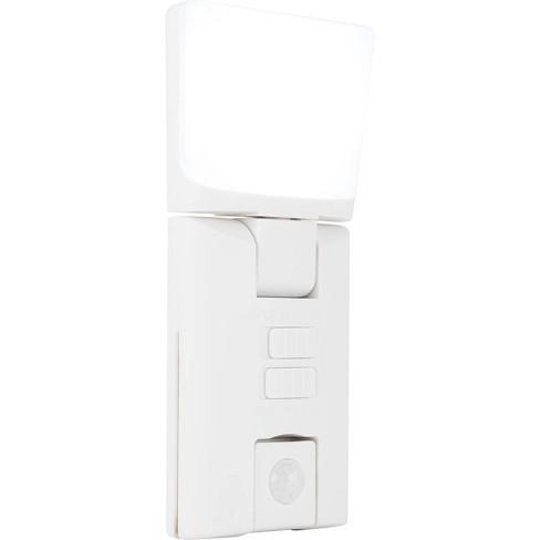 Energizer 65 Lumens Swivel Head Security LED Light Motion Sensing feature White - image 1 of 4