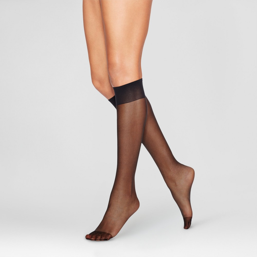 Image of L'eggs Everyday Women's Reinforce Toe 10pk Knee High Pantyhose - Black One Size, Size: Small