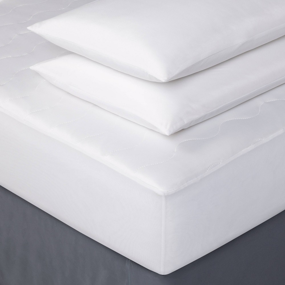 Image of Full Cooling Bed Protection Set - Room Essentials , White
