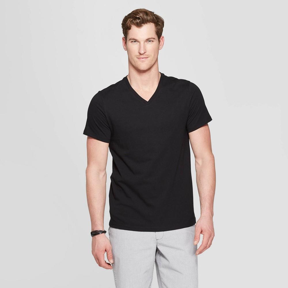 Men's Standard Fit Short Sleeve Lyndale V-Neck T-Shirt - Goodfellow & Co Black L
