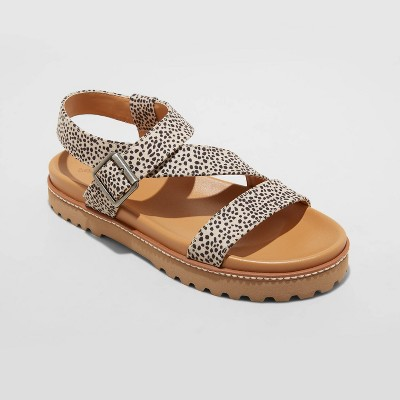 Women's Annika Platform Footbed Sandals - Universal Thread™