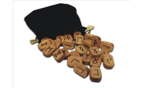 Wooden Runes -  by Lo Scarabeo (Hardcover) - image 1 of 1