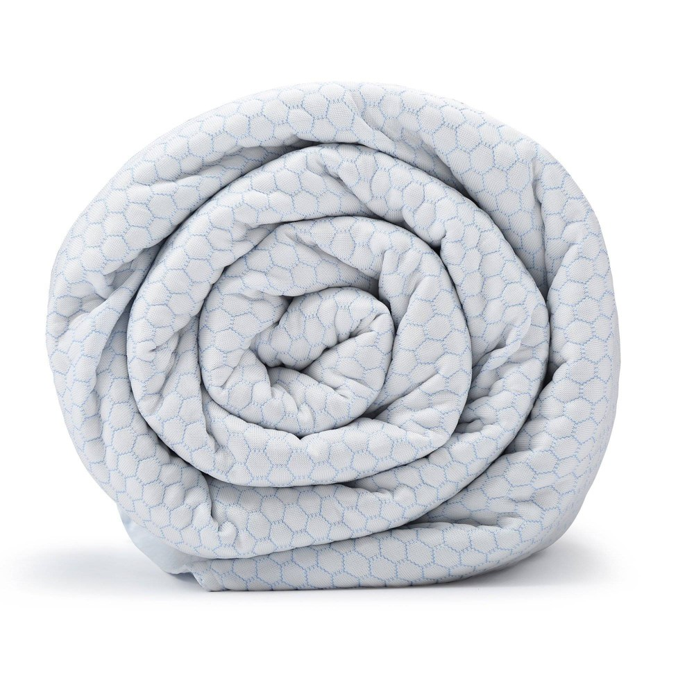 """Image of """"48"""""""" x 74"""""""" 20lb Chill Weighted Blanket with Removable Cover White - BlanQuil"""""""