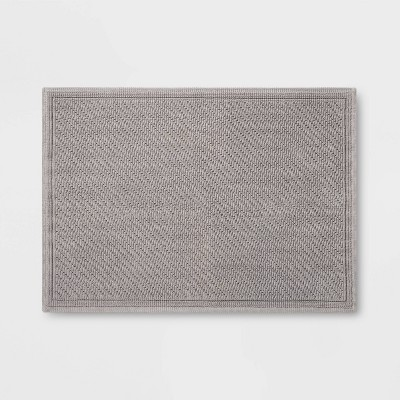 30 x21  Performance Solid Bath Mat Gray - Threshold™