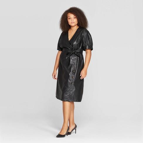 Women's Plus Size Short Sleeve V-Neck Midi Dress - Who What Wear™ - image 1 of 3