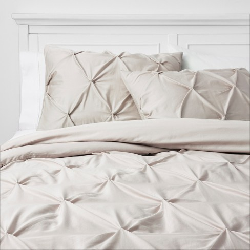 Full//Queen White Threshold Pinched Pleat Bedding Comforter Set