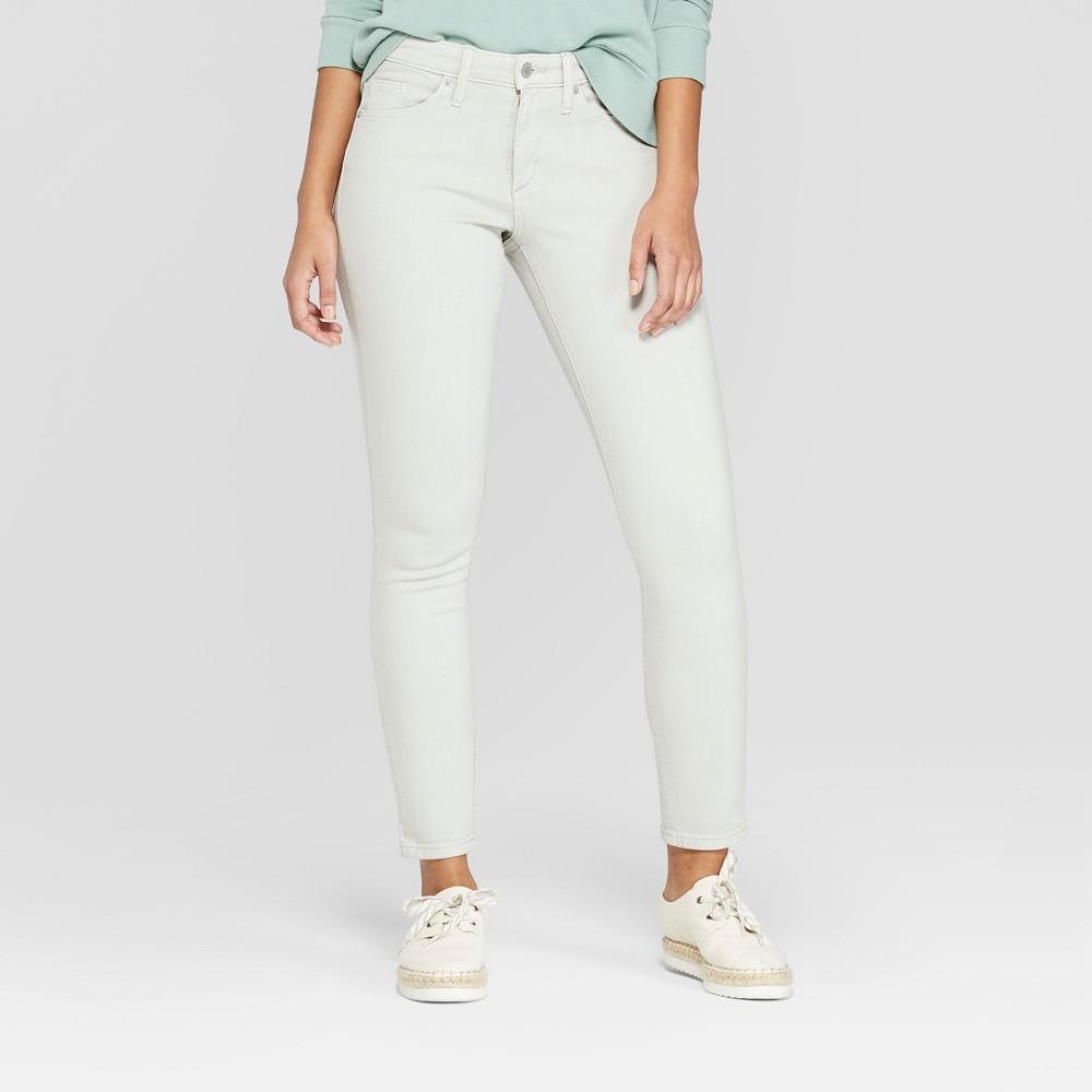 Women's High-Rise Raw Cuff Slight Destroy Skinny Jeans - Universal Thread Gray Wash 4