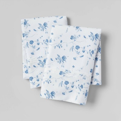 King 400 Thread Count Floral Print Cotton Performance Pillowcase Set White/Blue Floral - Threshold™