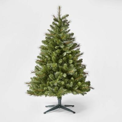 4.5ft Unlit Douglas Fir Artificial Christmas Tree - Wondershop™